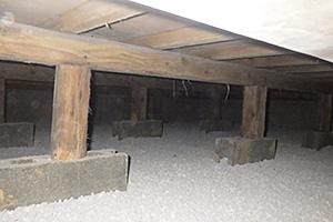 床下環境改善のハウスドライでシロアリを防除